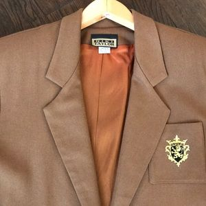 Niki Taylor Jackets & Coats - NWT Niki Taylor vintage one button crest blazer